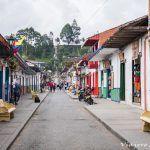 Salento – Café y palmeras imposibles en Colombia.
