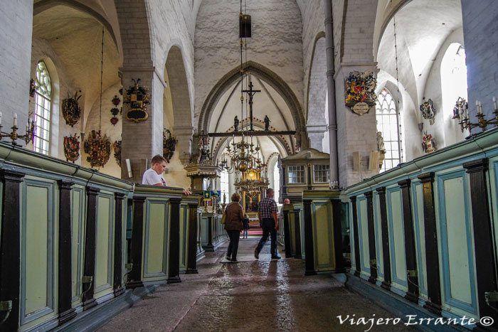 Interior de la Iglesia de San Nicolas, Tallin